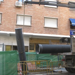 Descarga de tubos para la canalización provisional [02.08.2013]