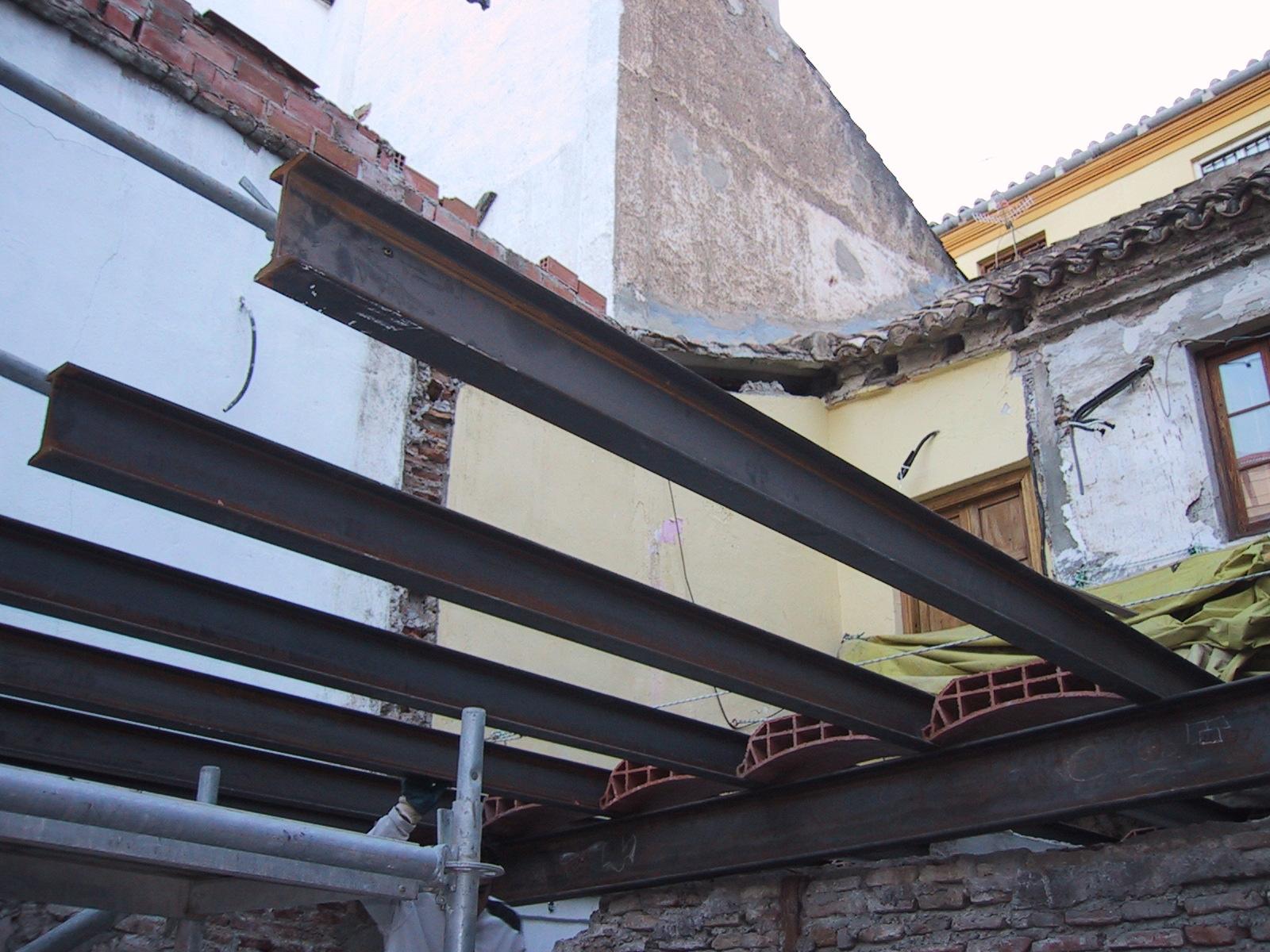 2005 m laga rehabilitaci n de cubierta en calle horno - Forjado viguetas metalicas ...