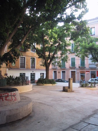 La calle Carretería desde la Plaza de San Pedro de Alcántara