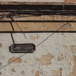 Asegurada de incendios. Detalle de fachada